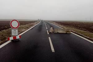 Uzavřený úsek silnice I/27 na Podbořansku.