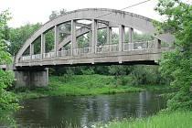 Takto vypadal most před začátkem rekonstrukce, v dubnu 2010.