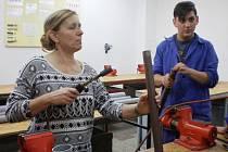 Školáci se  seznámili s obory  instalatér, aranžér a krejčí