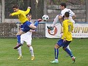 Utkání Loun (v bílém) proti týmu Neratovice/Býškovice