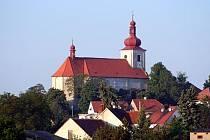 Kostel sv. Petra a Pavla v Podbořanech.