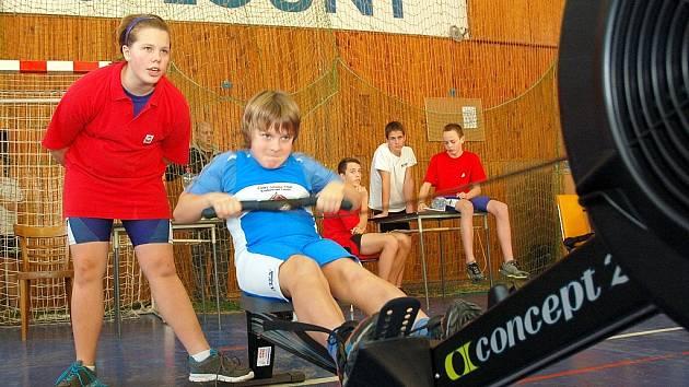 Veslařský triatlon v lounské sportovní hale