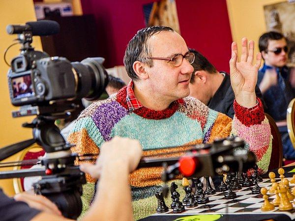 Žatečtí tvůrci zvolili pro festival téma šachu. Jejich snímek, plný svérázného humoru a recese, bude bojovat opřední příčky.