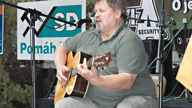 Klášterecký písničkář Pepa Štross