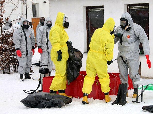 Likvidace ohniska ptačí chřipky v Bílencích na Chomutovsku