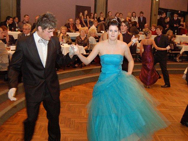 Slavnostní zakončení tanečních kurzů v Žatci