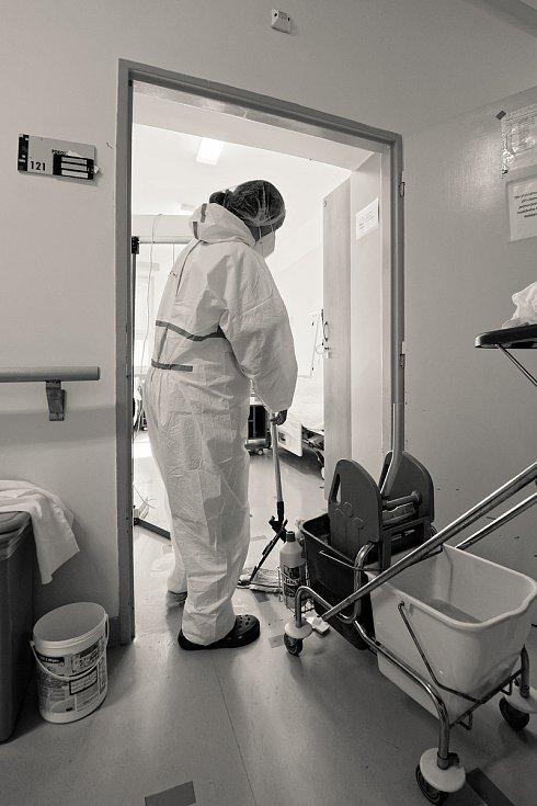 Boj proti covidu v žatecké nemocnici.