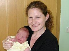 Mamince Lucii Karasové za Žatce se 9. března 2015 v 18.58 hodin  narodil synek Honzík Karas. Vážil 3890 gramů a měřil 54 centimetrů.