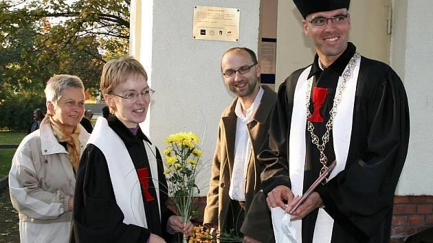 Bohoslužba s prosbou o požehnání u nově zrekonstruované Husovy zvonice v Lenešicích