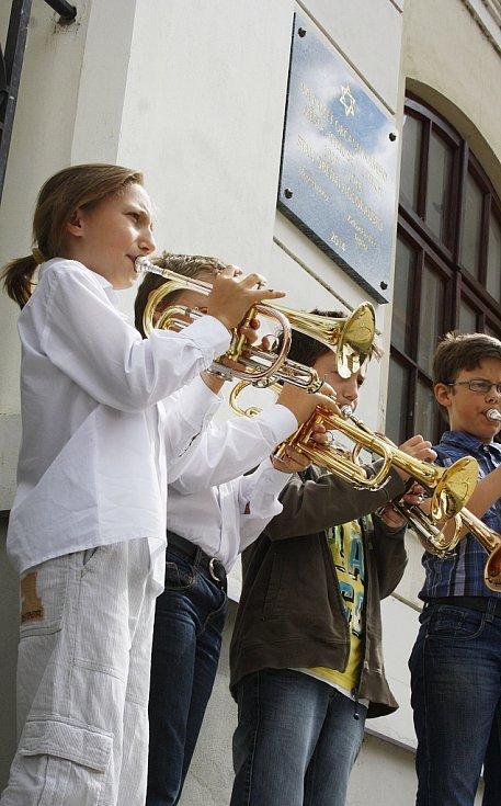 O krátký kulturní program se postarali hudebníci ze Základní umělecké školy Louny