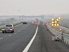 Dopravní omezení na dálnici mezi Bitozevsí a Postoloprty