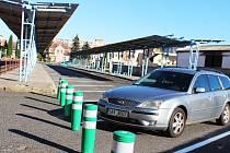 V Podbořanech vzniká nové parkoviště místo nevyužívaného autobusového nádraží.