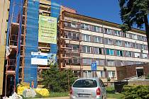 Velká rekonstrukce budovy polikliniky v Žatci se zateplením a novou fasádou proběhla před šesti roky.