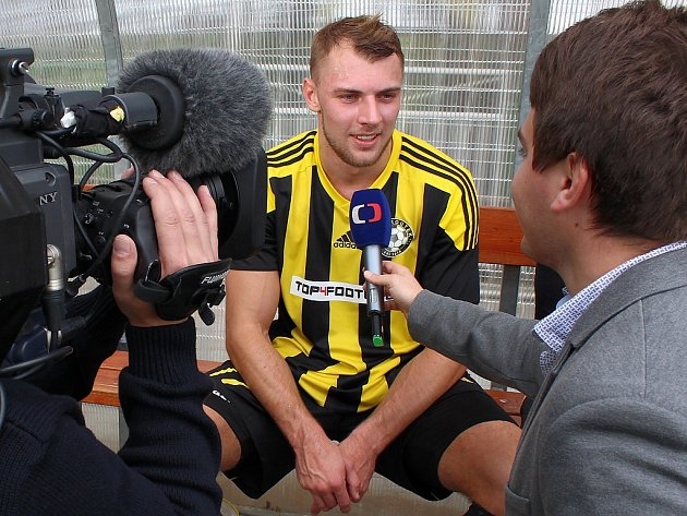 Střelec dvou branek Petr Volkman při rozhovoru pro Českou televizi.