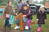 Otevření nového hřiště pro malé děti v Bitozevsi