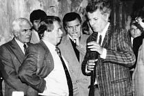 V oblíbením seriálu Deníku si tentokrát představíme Siřem na Podbořansku. O Kafku v Siřemi se zajímal při návštěvě obce také prezident Václav Havel.