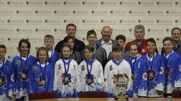 Ocenění hokejisté u hejtmana Bubeníčka