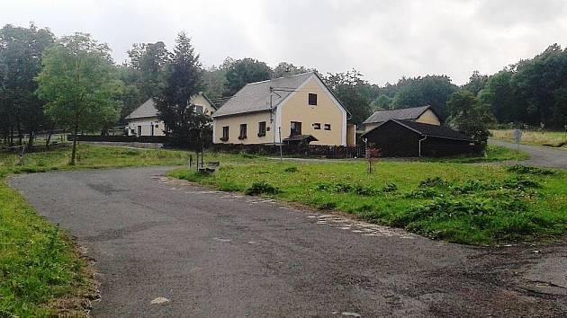 Vesnička Bukovina s několika domy se připojí k Podbořanskému Rohozci.