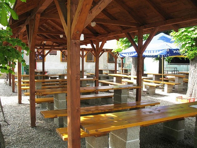 Restaurace Stromovka v Lounech
