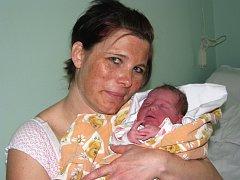Mamince Haně Richterové z Postoloprt se 11. dubna 2012 v 9.11 hodin narodila dcera Leontýnka Krchová. Vážila 3,435 kg a měřila 48 cm. Všem maminkám redakce Deníku gratuluje!