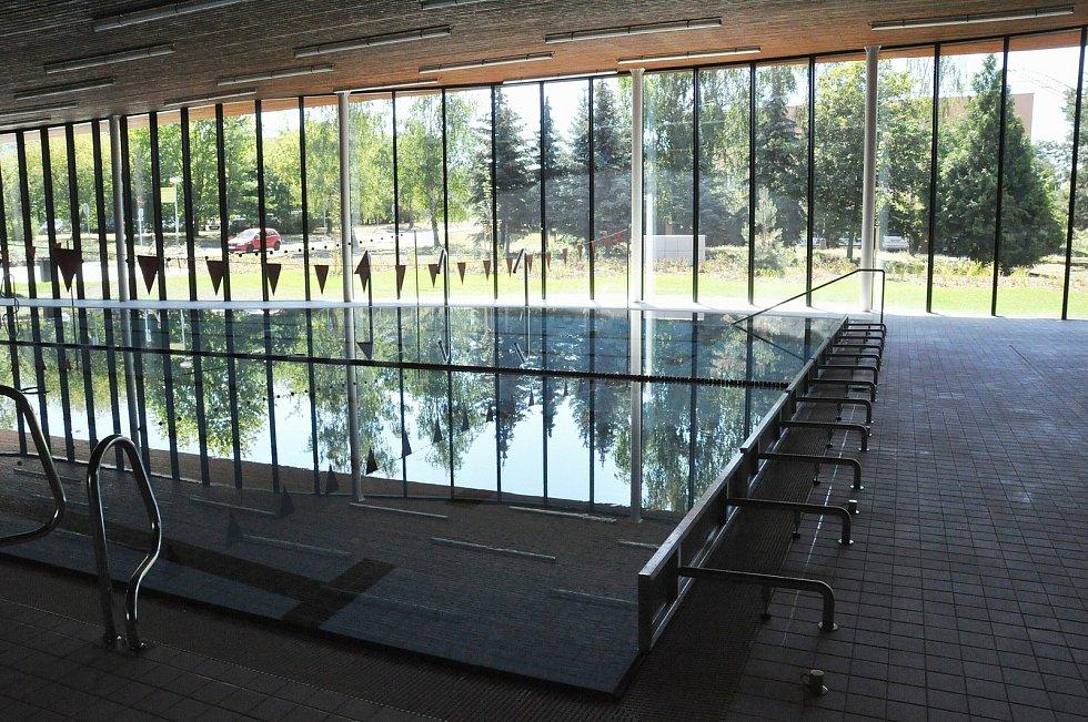 Plavecká hala v Lounech.