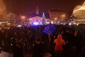 Rozsvícení vánočního stromu s kulturním programem v Lounech v roce 2018
