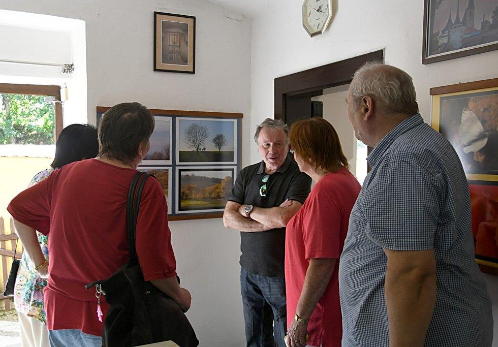 Výstava fotografií Jiřího Soukupa vperucké Galerii U Plazíka.