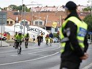 Koloběžky, ruční kola i tříkolky se proháněly ulicemi Loun.