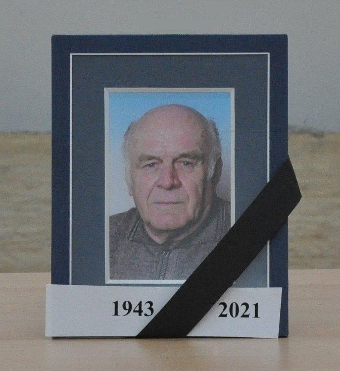 Novým předsedou OFS Louny byl na místo Miloslava sklenky, který náhle zemřel, zvolen Pavel Domecký.