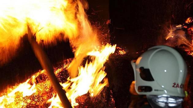 Požár stohu v Levonicích