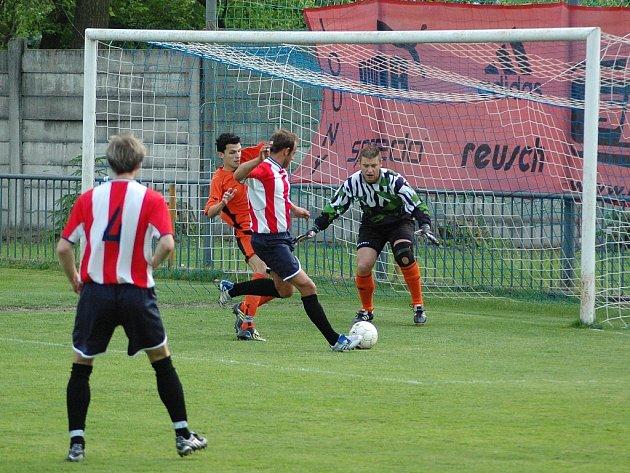 Zápas Loun (v oranžovém) proti Ervěnicím