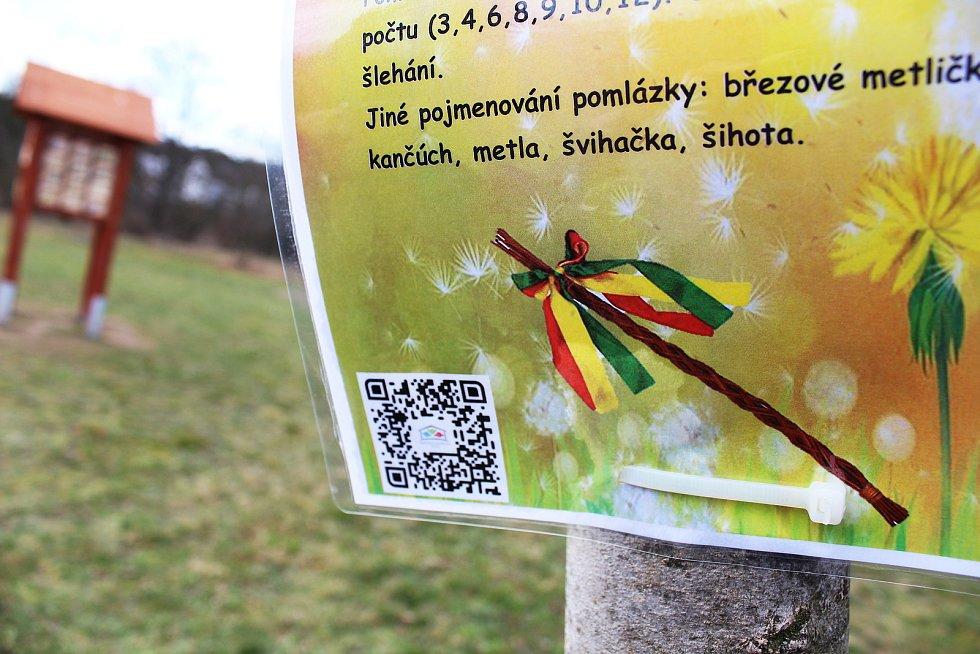Děti vyráží za zážitky na velikonoční cestu. Počítání vajíček, luštění křížovky, doplňování básniček a další a další úkoly čekají na děti při zážitkové hře u řeky Ohře v Žatci.