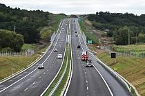 Kolem Lubence vede nový obchvat, jenž je součástí dálnice D6 Praha – Karlovy Vary. Ihned po jeho otevření došlo v obci k výraznému poklesu počtu projíždějících aut.