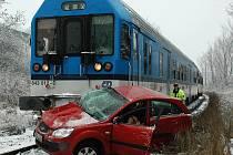 Tragická srážka vlaku s osobním vozem v Žatci