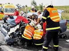Vážná dopravní nehoda u obce Pšov na Lounsku.