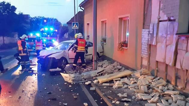Nehoda auta v Cítolibech.