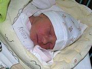 Mia Piekarczyková se narodila mamince Ditě Mrvíkové ze Žatce 17. května 2017 ve 13.47 hodin. Vážila 3,21 kg, měřila 48 cm.