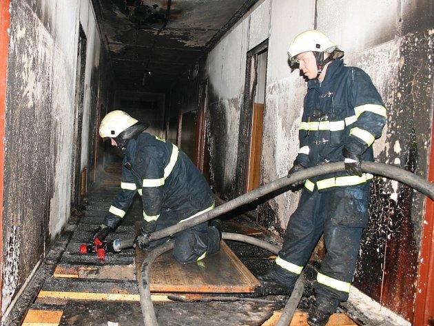 Požár ubytovny v Cítolibech.