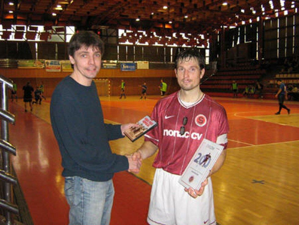 David Holeček v dresu futsalové Sparty