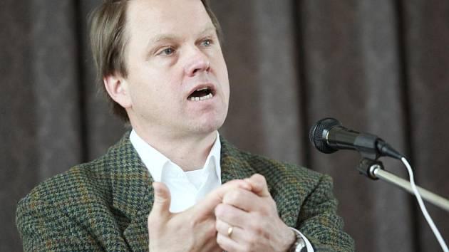 Exministr životního prostředí Martin Bursík zavítal mezi studenty žatecké zemědělské školy.