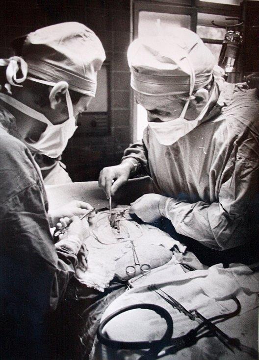 Žatecký chirurg Vladimír Korf na archivních snímcích