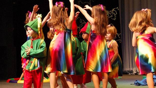 Děti z MŠ Domoušice vystoupily s představením Hastrmane, tatrmane.