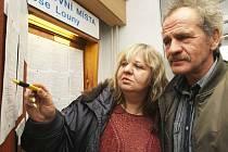 Josef Jupa a Růžena Kyjacová při návštěvě na Úřadu práce v Lounech v pondělí 5. ledna.