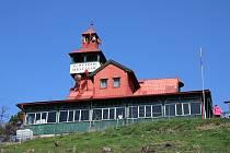 Ejemova chata na vrchu Červeňák u Dobroměřic na Lounsku