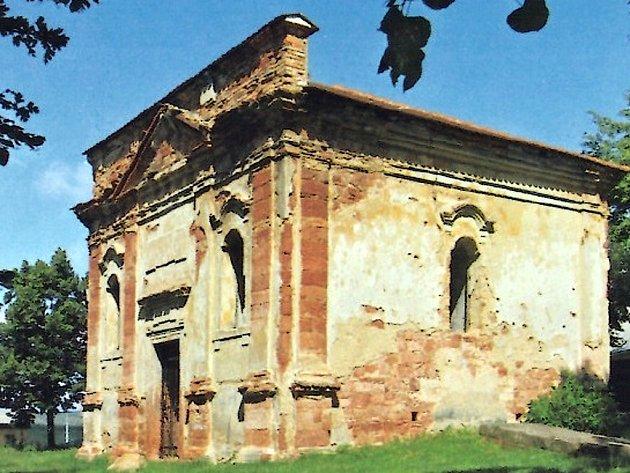Kaple v Letově ještě před rekonstrukcí.