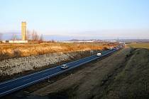 Obchvat Loun na budoucí dálnici D7