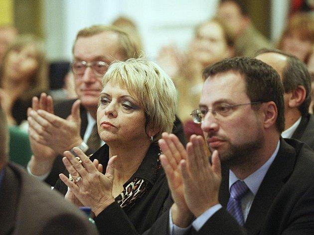 Tomáš Chaloupek, Alexandra Suková, Michal Kučera (zleva), zastupitelé města Loun