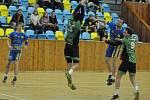 Házenkáři Mostu (v zeleném) si z Loun odvezli po pohárovém i druholigové vítězství.