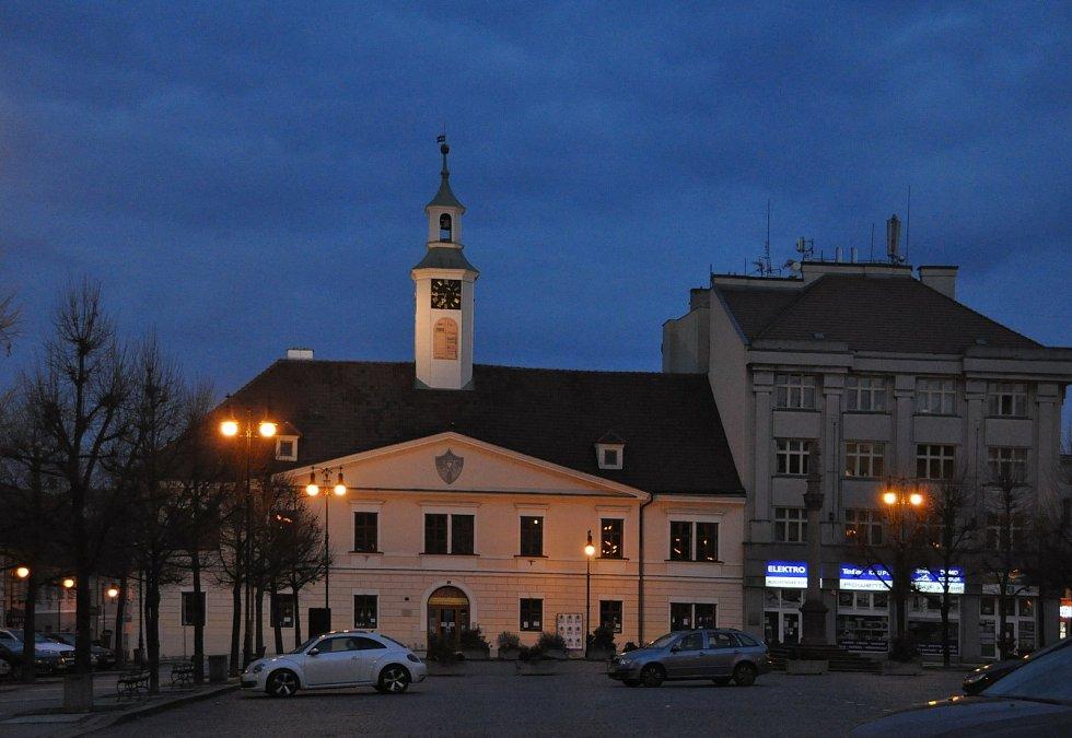 Nasvícené památky v Lounech.