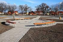 Zelené náměstí v Lounech.